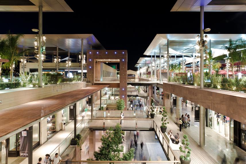 Oasis la maquinista exnovo - Centro comercial maquinista barcelona ...